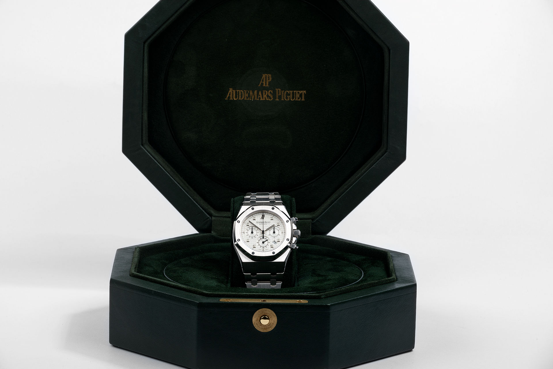 ref 25960BC.OO.1185BC.01 | 18ct White Gold, 2 Year AP Warranty | Audemars Piguet Royal Oak Chronograph