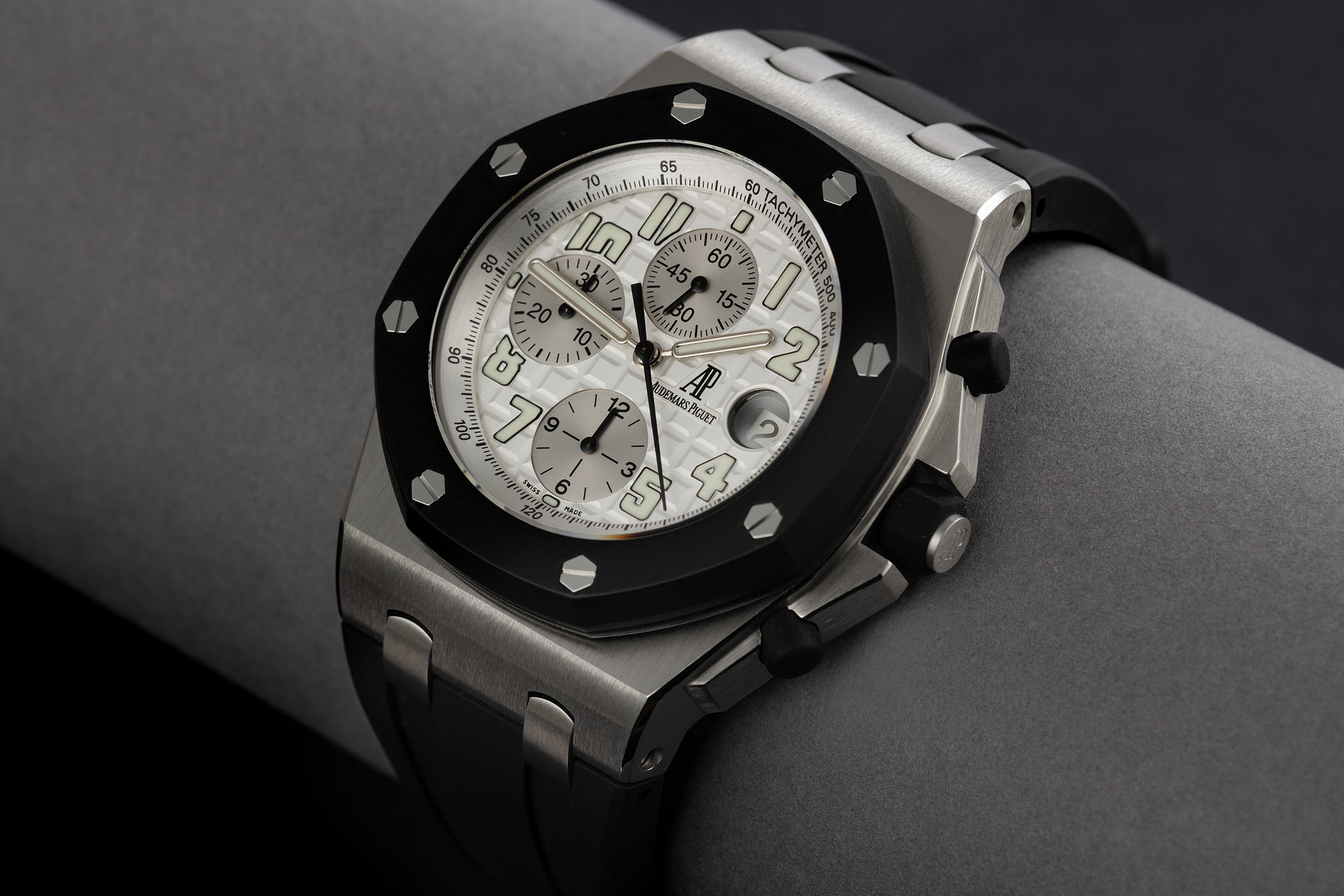 ref 25940SK.OO.D002CA.01 | 'Rubberclad' AP Warranty | Audemars Piguet Royal Oak Offshore