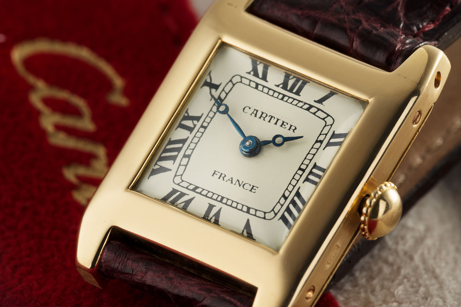 | 18ct Yellow Gold  | Cartier Santos
