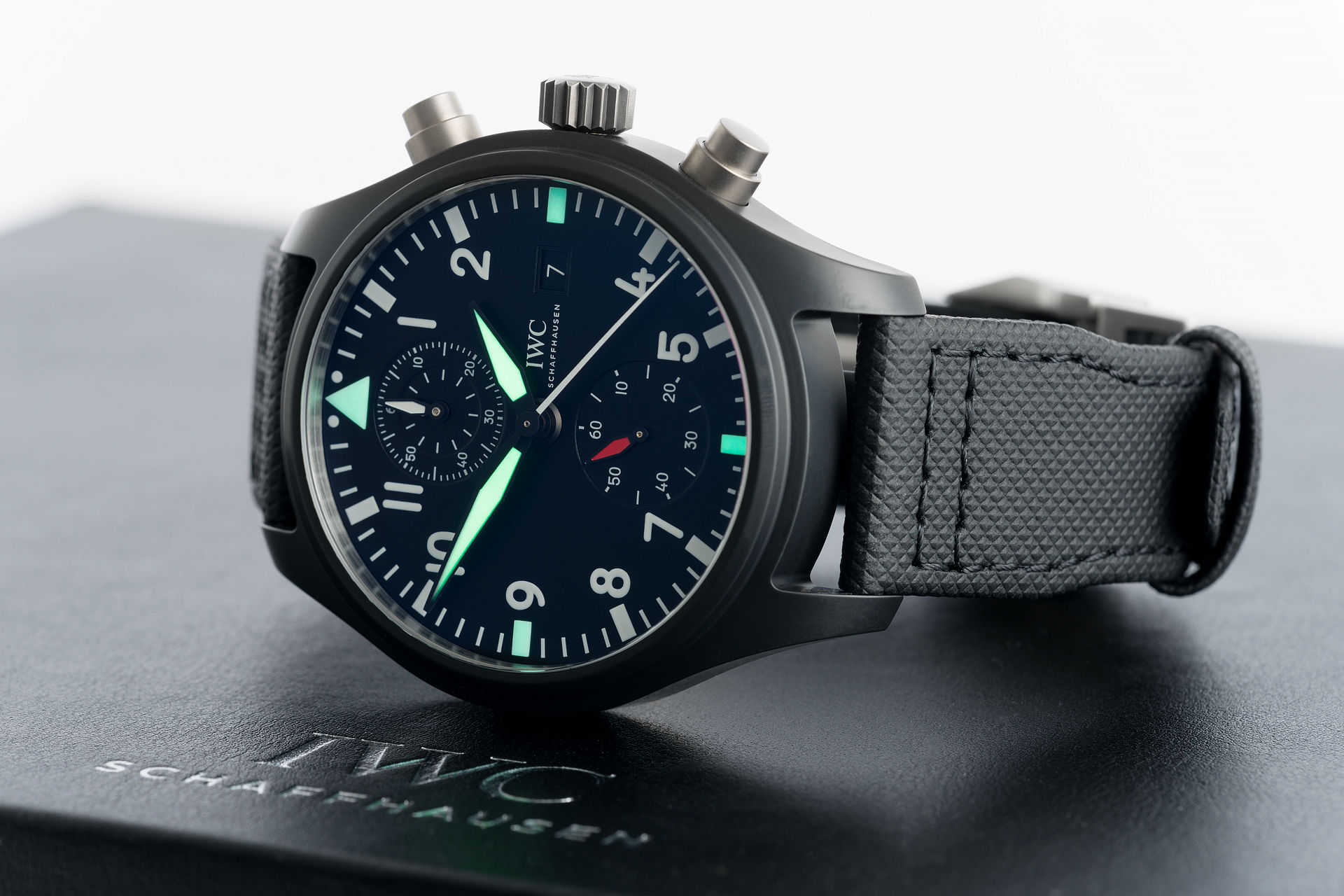 iwc pilot 39 s chronograph watches ref iw389001 brand new. Black Bedroom Furniture Sets. Home Design Ideas