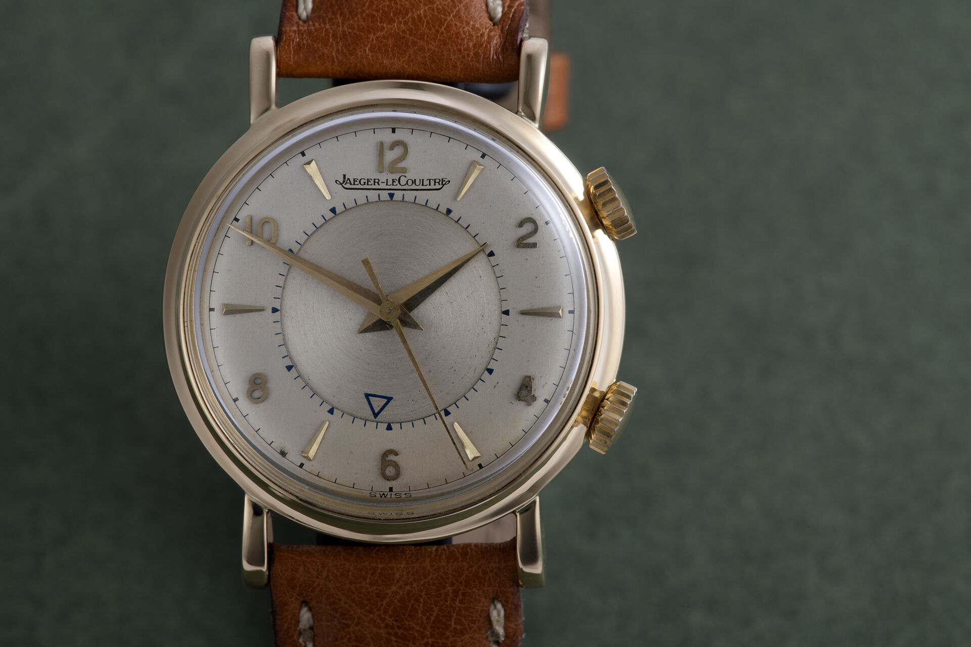 | 'Vintage' 18ct Yellow Gold  | Jaeger-leCoultre Memovox