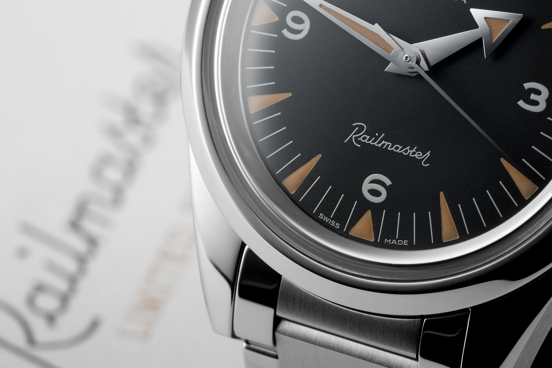 ref 22010382001002 | New '1957 Edition' | Omega Railmaster