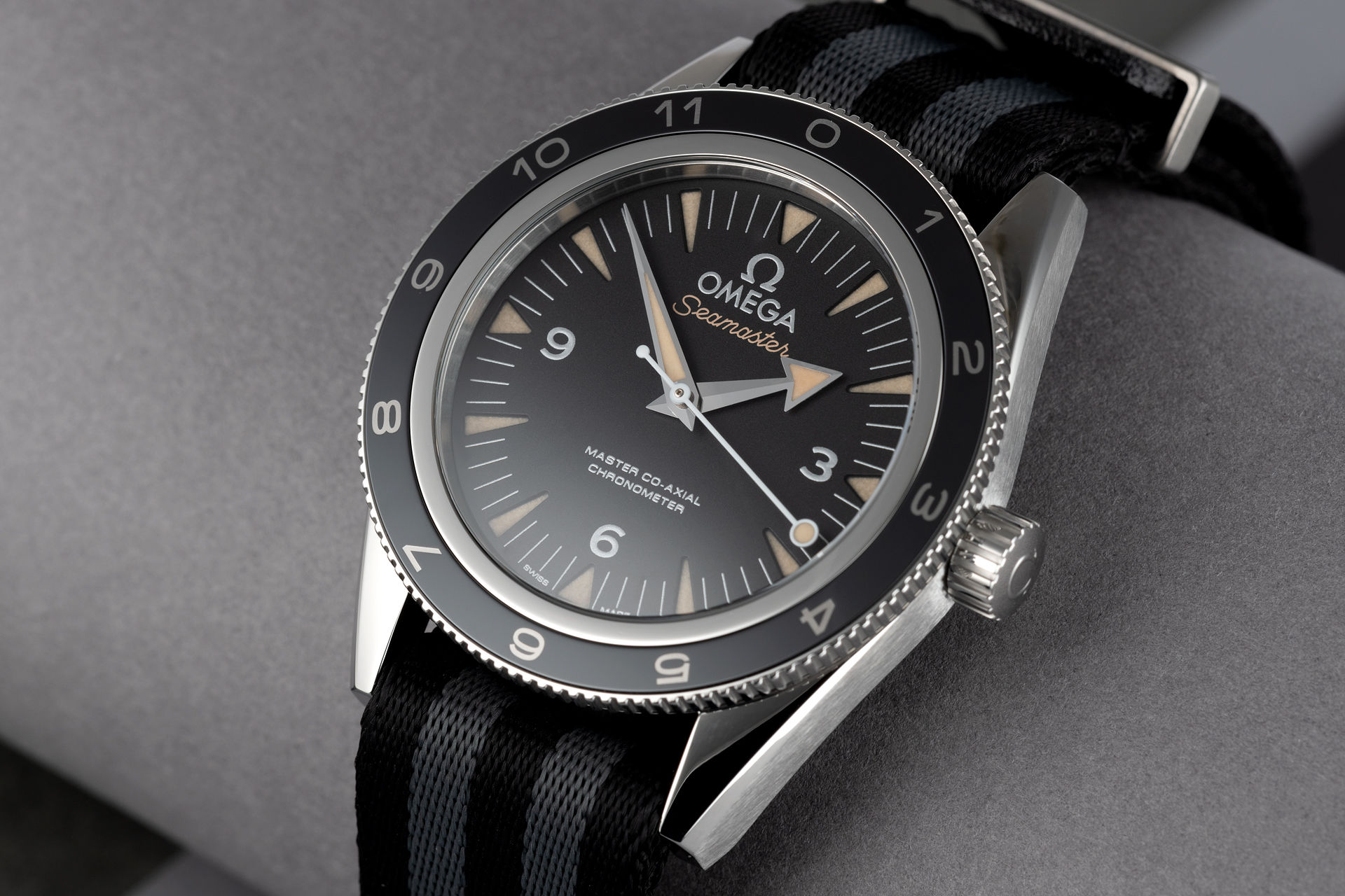 ref 233.32.41.21.01.001 | Limited Edition 'Omega Warranty' | Omega Seamaster Spectre