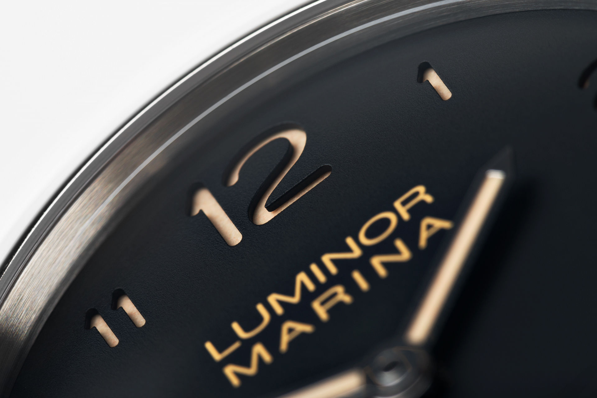 ref PAM 359 | 44mm 'Dirty Dial'  | Panerai Luminor 1950