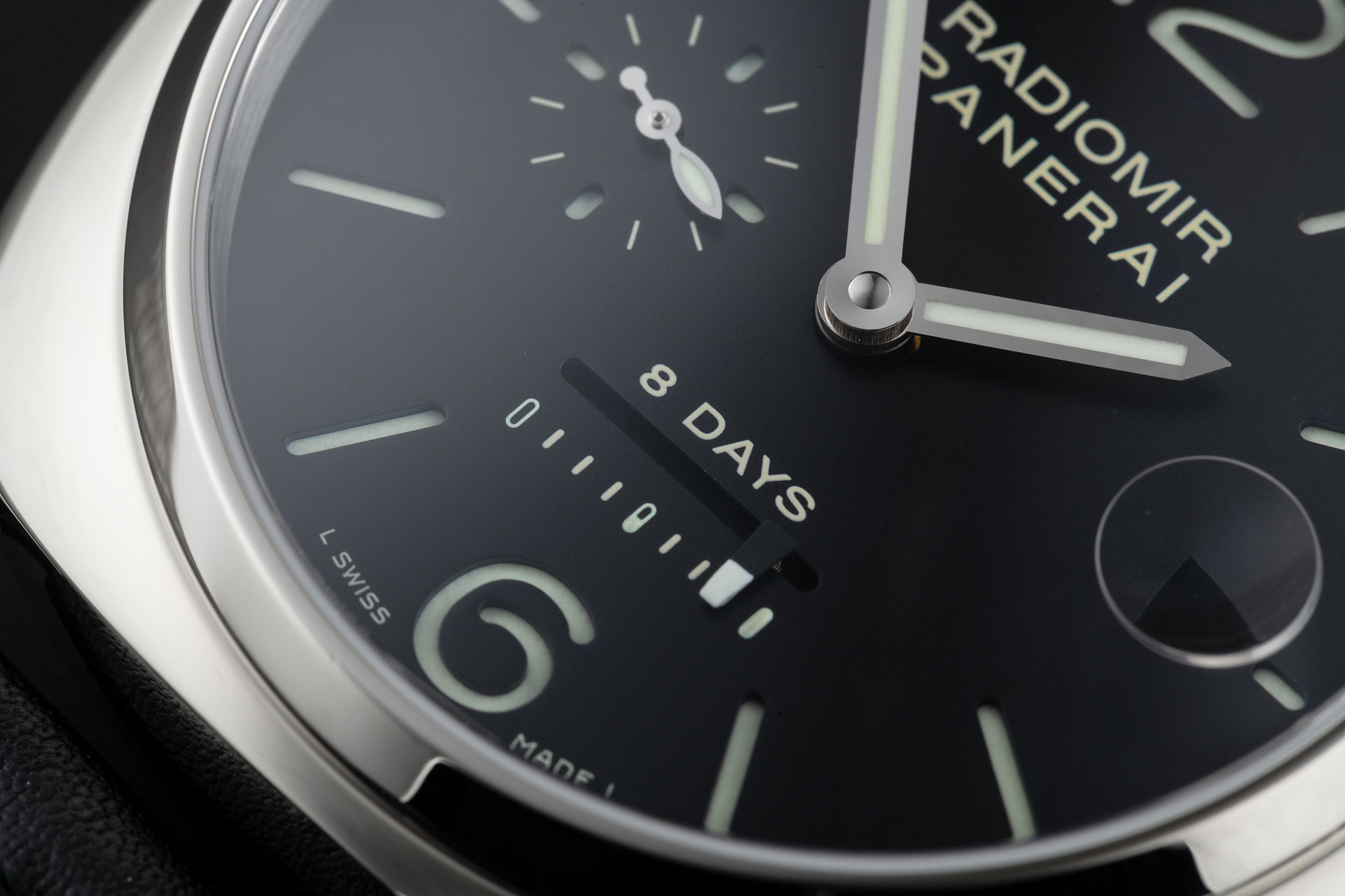 ref PAM 268 | 8 Day Power Reserve | Panerai Radiomir
