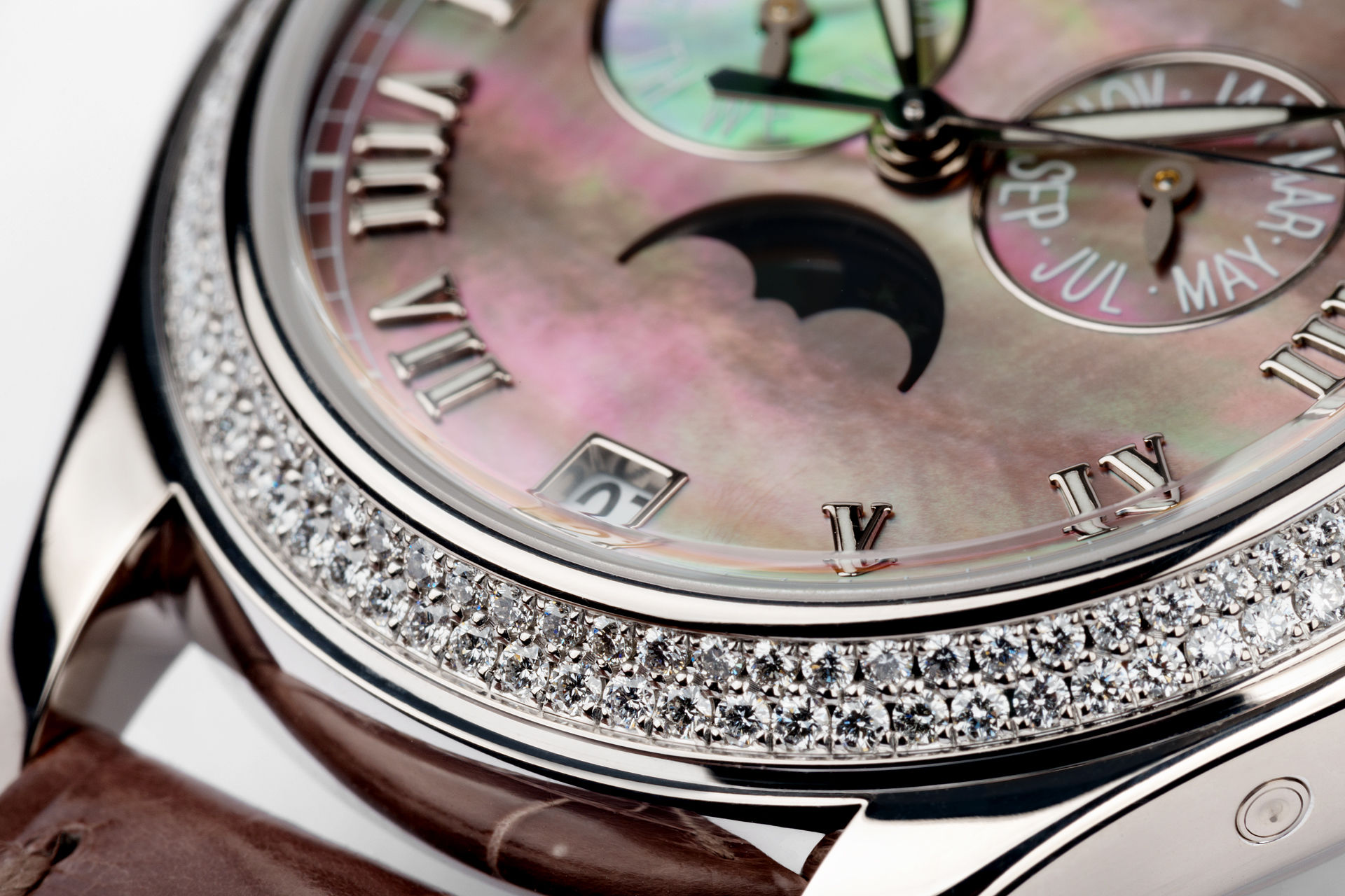 ref 4936G-001 | Mother of Pearl 'Full Set' | Patek Philippe Annual Calendar