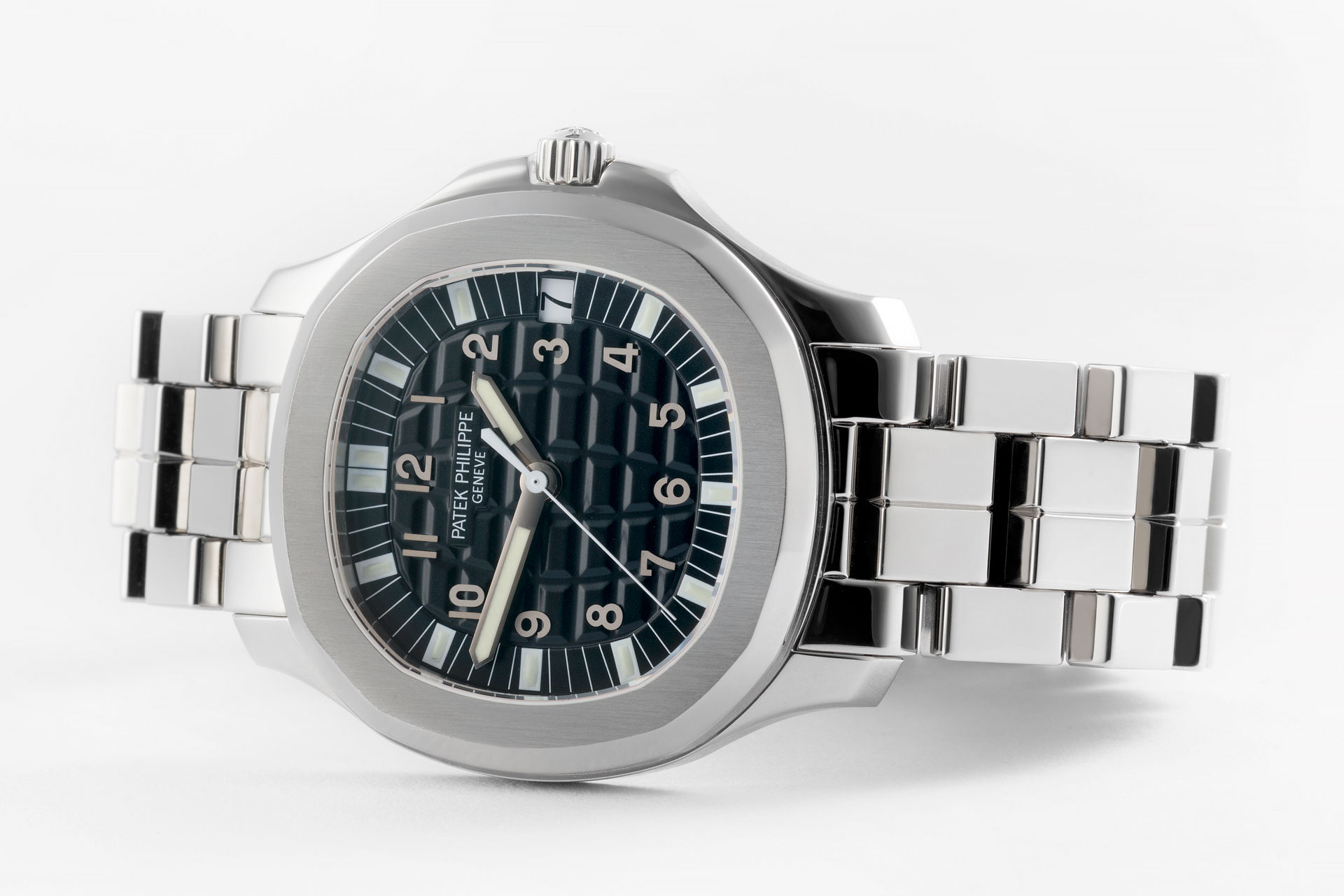 ref 5065A-001 | 37mm Box and Papers | Patek Philippe Aquanaut