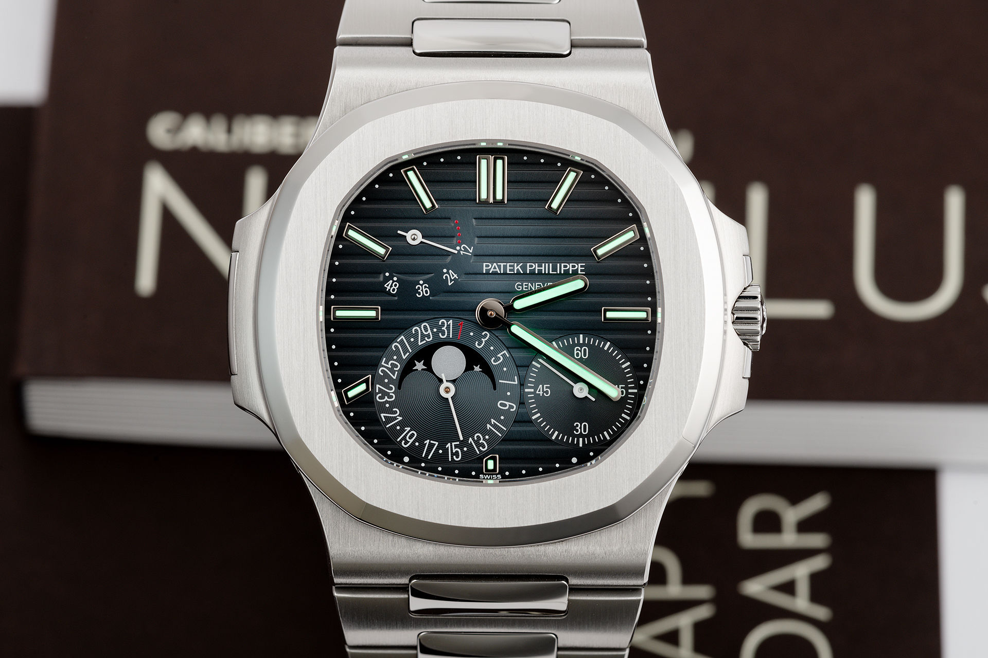 ref 5712/1A-001 | Power Reserve 'Full Set' | Patek Philippe Nautilus