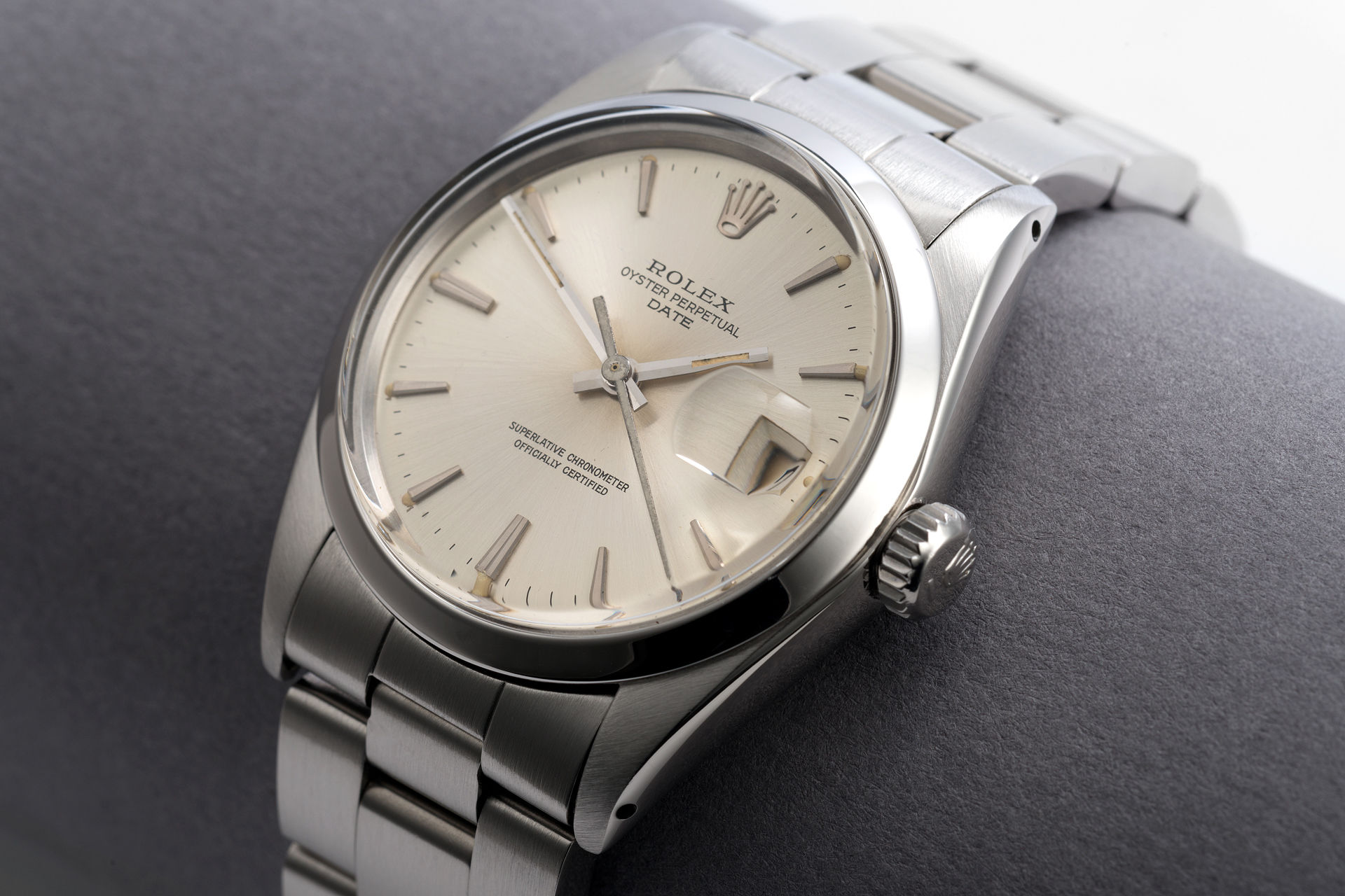 Rolex oyster date watches ref 1500 vintage 1966 39 beautiful example 39 the watch club for Vintage rolex oyster