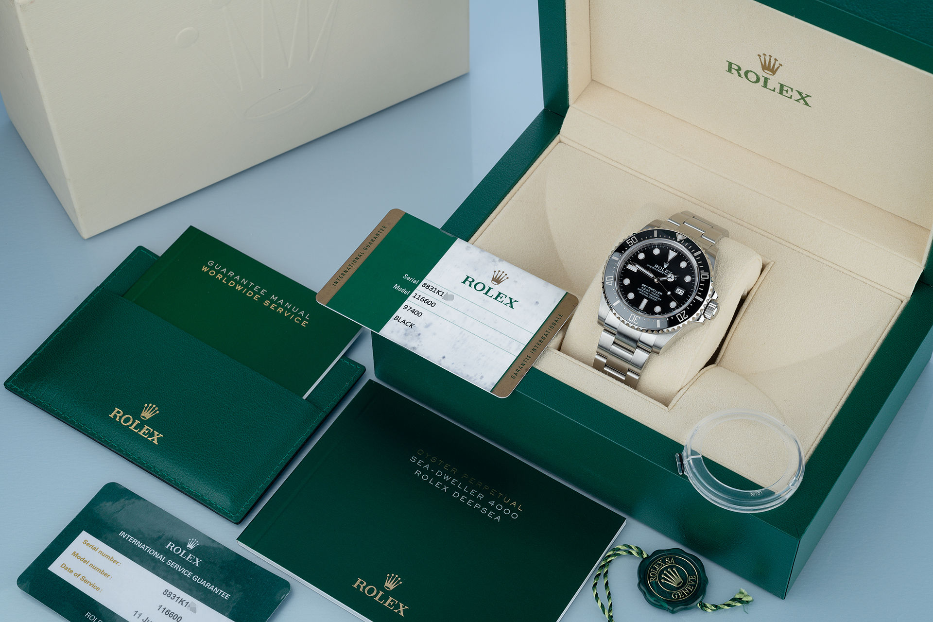 ref 116600 | Complete Set 'Under Rolex Service Warranty' | Rolex Sea-Dweller 4000