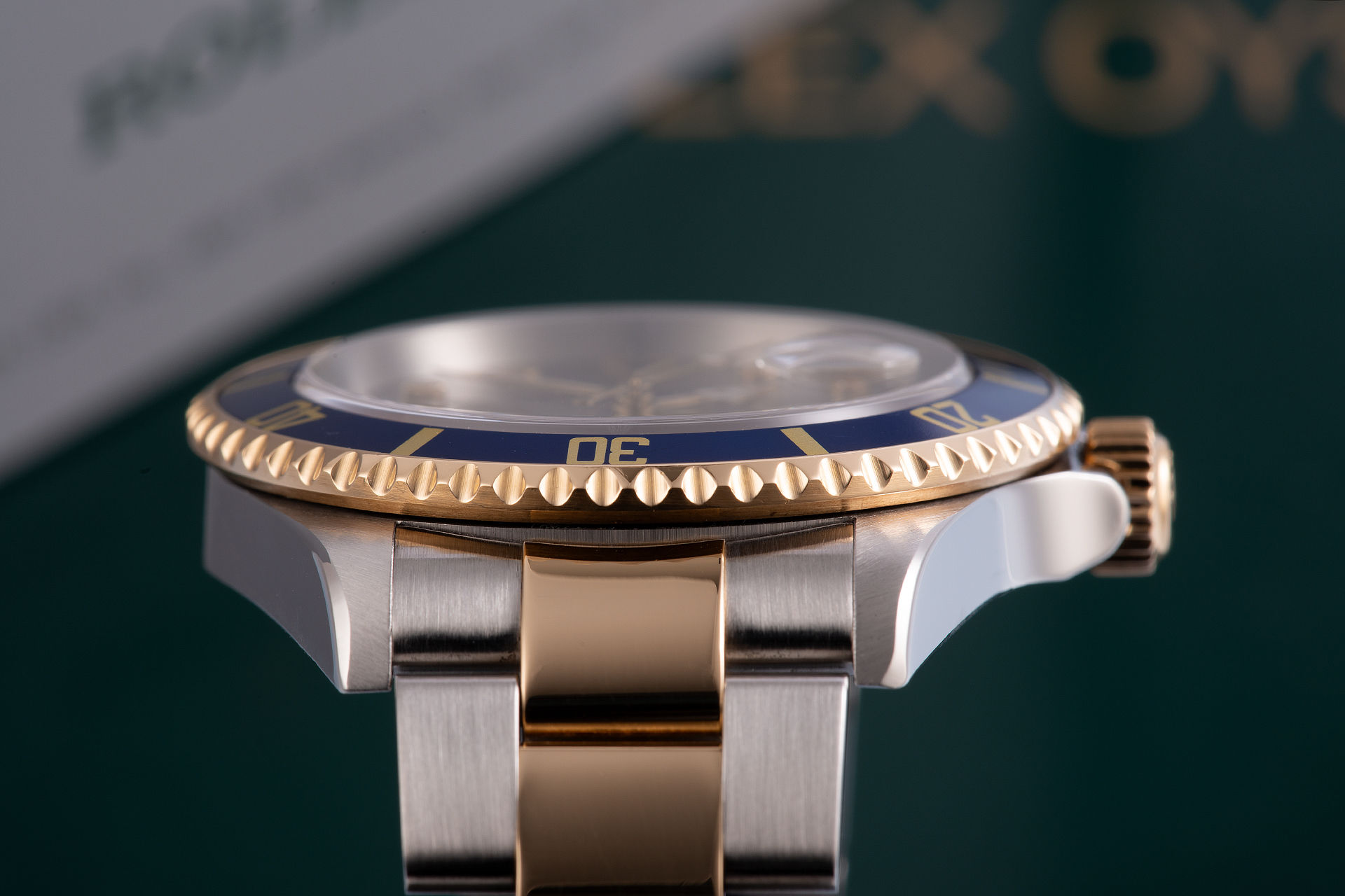 ref 16613 | 'Box & Papers' Gold & Steel | Rolex Submariner Date