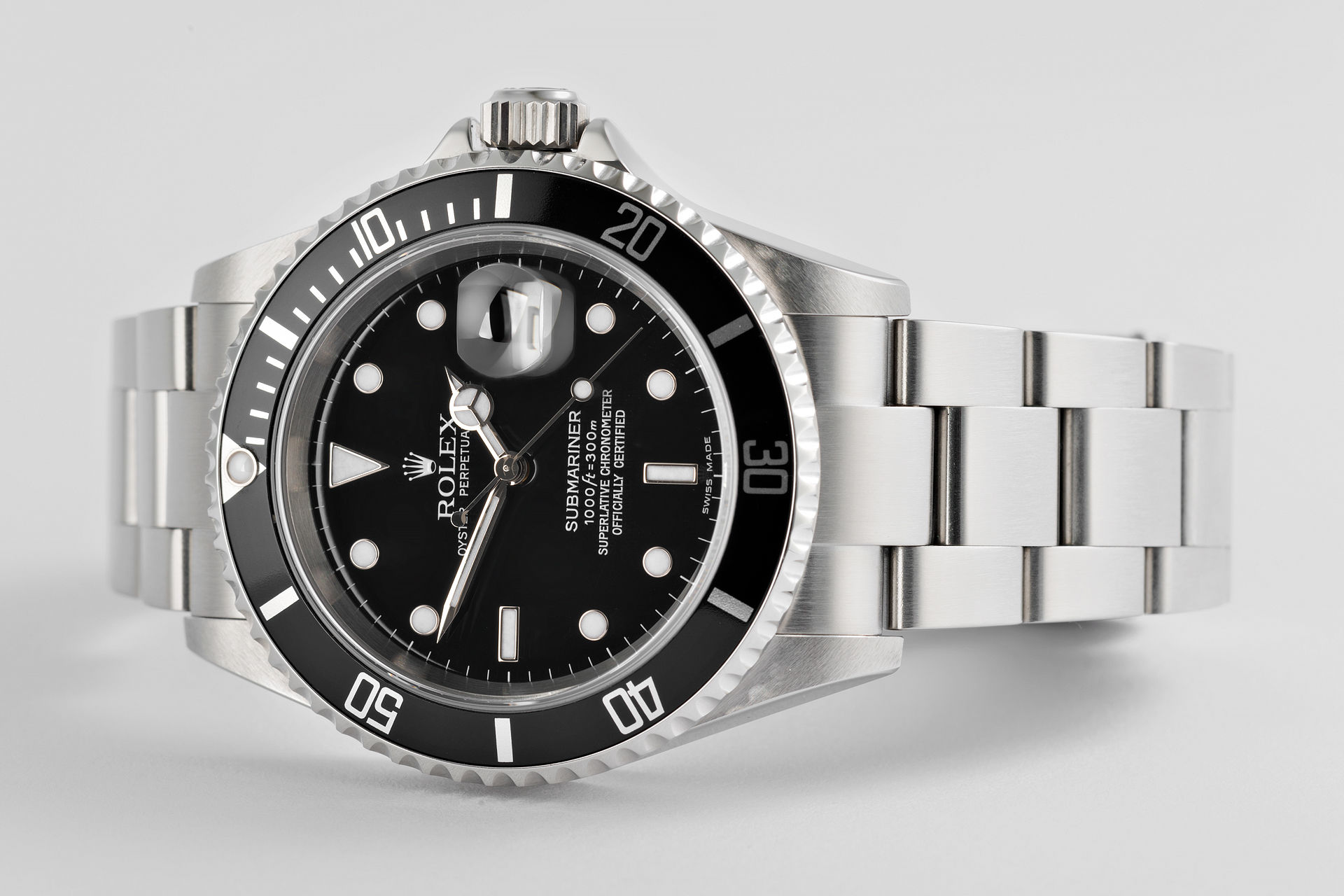 ref 16610 | Complete Set 'F' Serial | Rolex Submariner Date